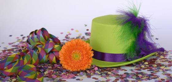hat-2016797_1920