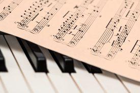 klavier-musikinstrument-musiknoten-210764